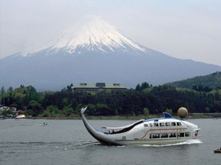 Encounter with Mt. Fuji in Lake Kawaguchiko
