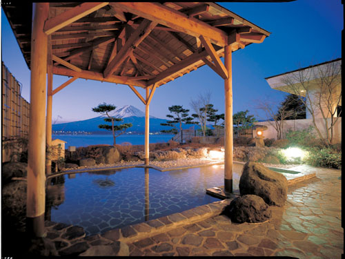 【Stay in a Special Hot-Spring Hotel】
