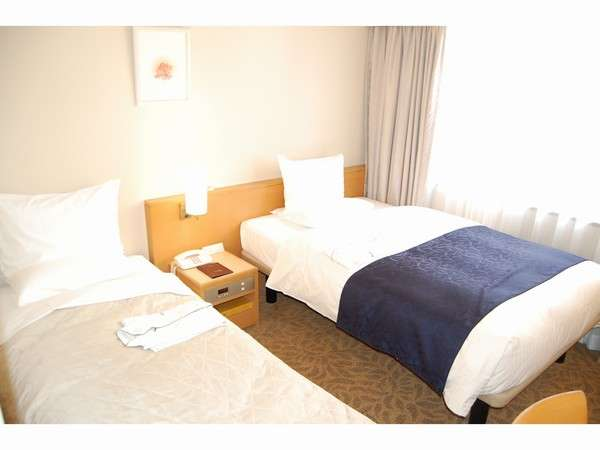 The Hotel Rose Garden Is Located In The Heart Of Tokyo, Shinjuku. Good  Access To The Business, Entertainment, Dining, And Shopping Destination.
