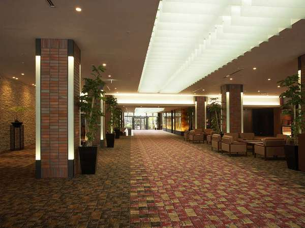 Only 5 Minute Walk From Jr Shinagawa Station Grand Prince Hotel Takanawa Boasts A Ious Garden Extending To 20 000 The S Guest Rooms