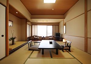Hotel Miyarikyu Is A Anese Style Wred By Setouchi Inland Sea And Mystical Nature Of Miyajima Island It Located 3 Minutes Walk From